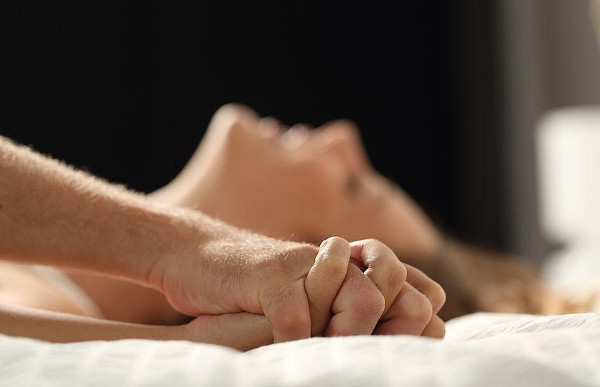 Twink Hure lecken Schwanz und Crempie Hören Sie Stöhnen Sex Orgasmus